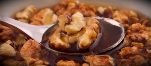 грецкий орех в меде
