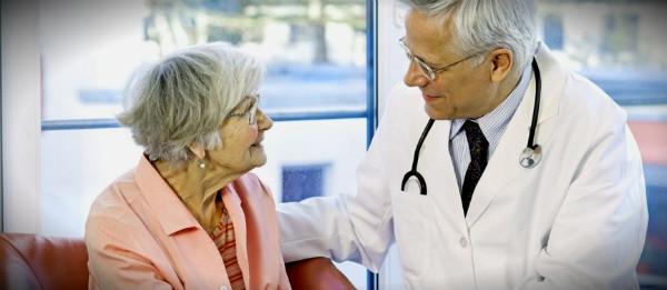 бабушка у доктора