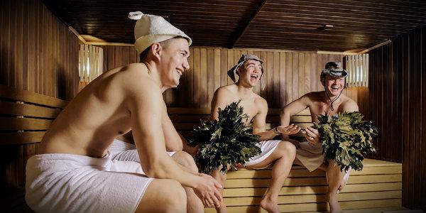 мужики в бане