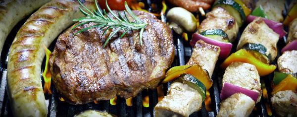 жаренное мясо и копчености