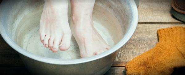 согревающая ванночка и ноги