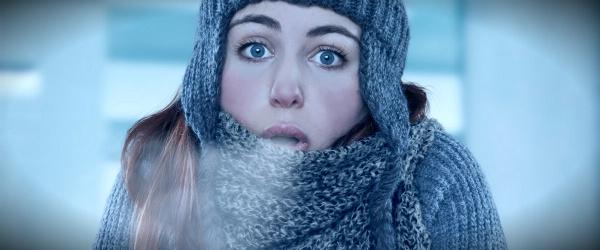 холод и девушка