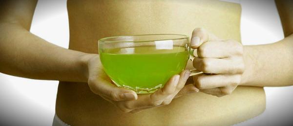 чашка чая зеленого и живот